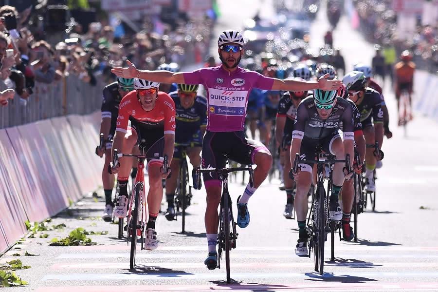 Giro d'Italia, Gaviria vince anche la 13/a tappa, Dumoulin resta leader