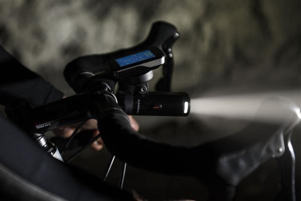 Garmin presenta Varia UT800, luce a regolazione automatica