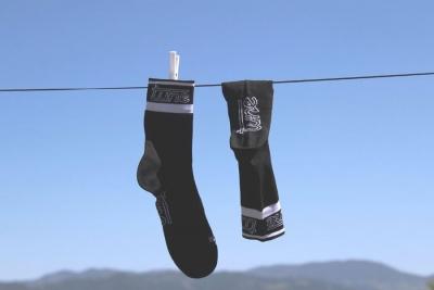 Carbon-Socks: adesso anche le calze si realizzano in carbonio