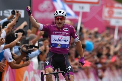 Viviani si concede il bis al Giro d'Italia 101