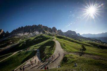 Dopo un anno di sosta forzata ritorna la BMW HERO Südtirol Dolomites