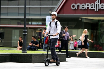 Genova: assicurazione e casco obbligatori per biciclette e monopattini. FIAB non ci sta