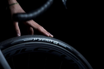 Arrivano da Pirelli i P ZERO Race TLR e P ZERO Race TLR SL, tubeless da strada dedicati alla massima performance