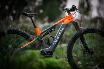 Neuron:ON, Canyon lancia la sua nuova trail ebike 2020