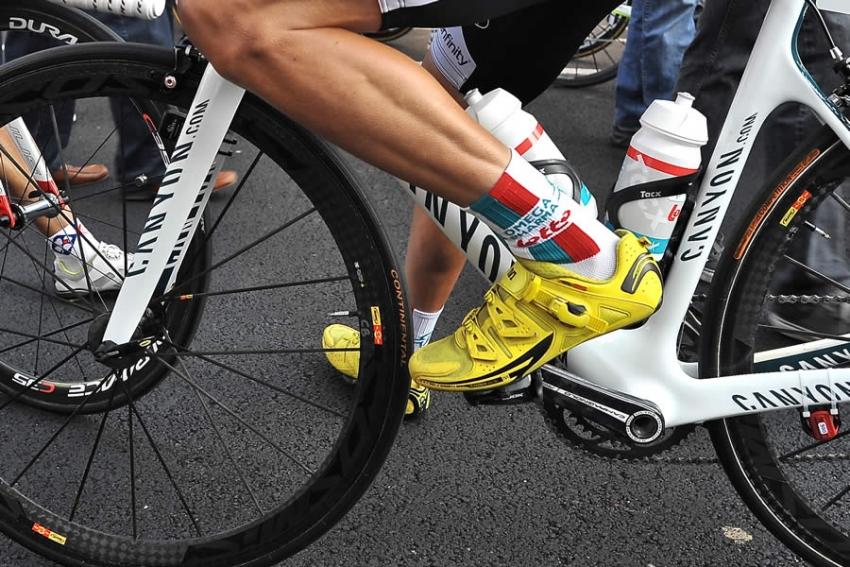 Passione per il ciclismo, quanto è importante scegliere il giusto abbigliamento