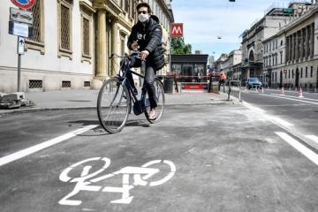 La bicicletta nella società contemporanea, icona di libertà, salute, divertimento e passione sportiva