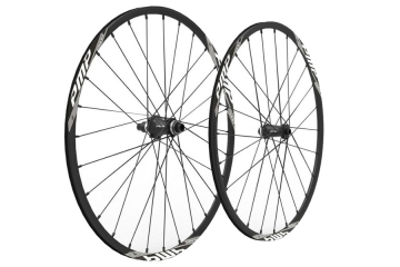 Da PMP Engrave CL21, robuste e leggere ruote in alluminio da gravel