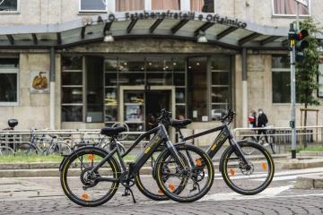 Pirelli CYCL-e around: una bici elettrica ai dipendenti degli ospedali milanesi