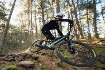 """Orbea presenta Rise: una eMTB """"meno elettrica"""" e """"più bicicletta"""""""