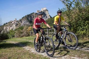 """Presentato oggi """"Via Romagna"""", primo percorso regionale permanente in Italia dedicato alla bicicletta"""