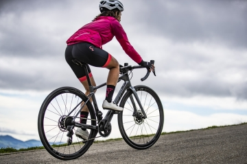 Liv Cycling, brand di Giant dedicato alle donne, presenta Avail Advanced, bici da strada dedicata all'endurance