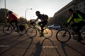 Bonus mobilità: si delineano i contorni dello sconto per biciclette e monopattini