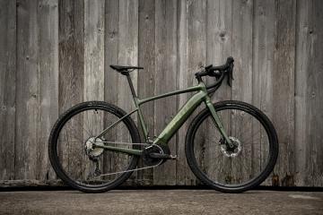 Revolt E+ Pro, Giant presenta la sua nuova gravel a pedalata assistita