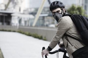 Giornata Mondiale della Bicicletta: aumentano bici e piste ciclabili in città ma non cala lo smog