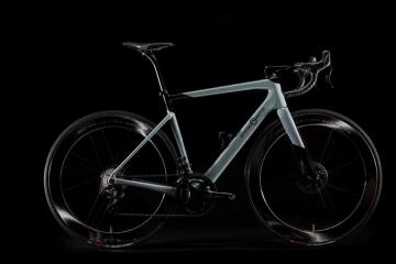Officine Mattio lancia OM1 S, bici da strada monoscocca Made in Cuneo