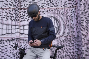 Dainese approda al mondo dell'urban commuting con AWA Black