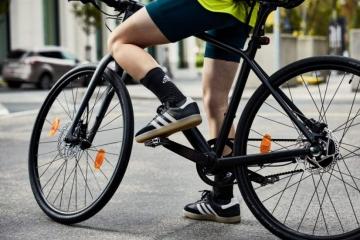 Velosamba: il modello iconico di Adidas da oggi a misura di commuter