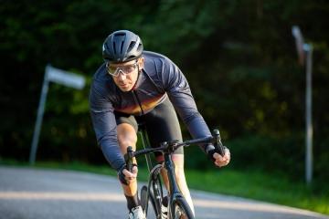 La Vuelta: da Santini quattro kit speciali dedicati ad altrettante tappe dell'edizione 2020