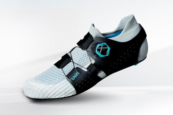UYN lancia Naked, la prima scarpa da ciclismo al mondo derivata interamente dalla calza
