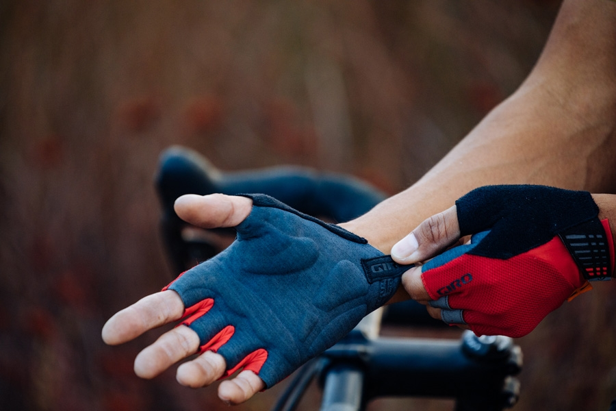 Supernatural Cycling Gloves : da Giro i nuovi guanti con tecnologia EIT Palm Technology di Elastic Interface